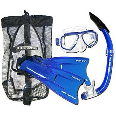 US Divers Dive Set    Let your kids explore the wonders of the deep with the US Divers snorkel set. Set includes the Java Mask, Tropic Snorkel and adjustable Rip Fins. Comes in a handy Mesh Gear Bag.