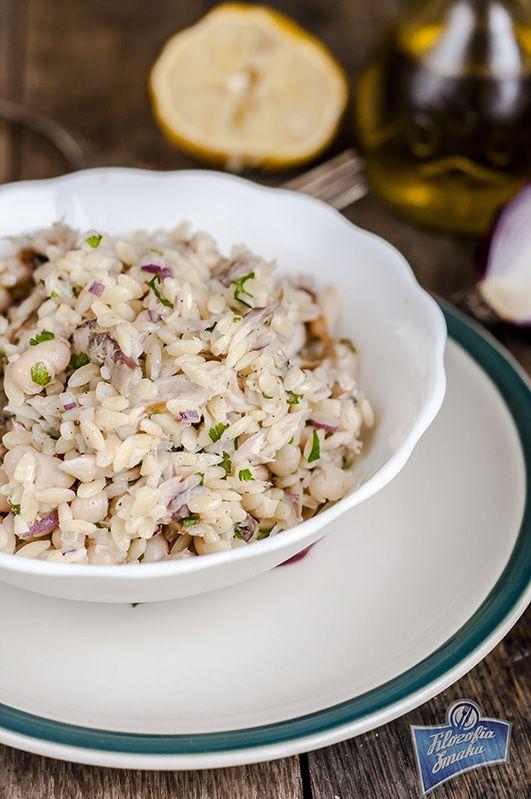 Sałatka z wędzoną makrelą i makaronem