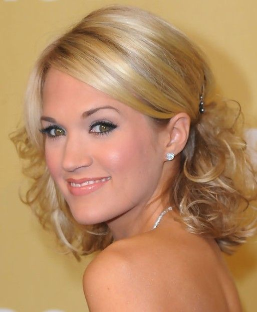 Carrie Underwood Medium Length Hairstyle: Pinned up Curls
