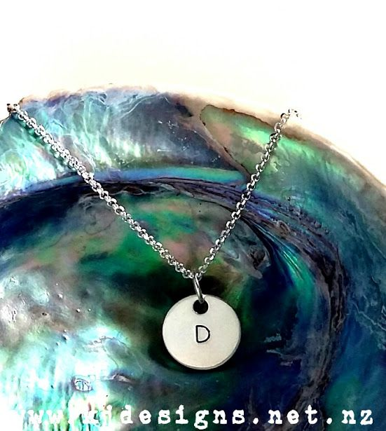 This is soooo super delicate and cute in sterling silver xx http://www.kjdesigns.net.nz/product/1423555