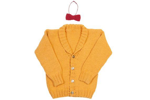 Chaleco amarillo con botones.
