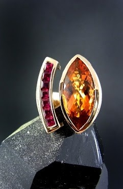 it's time to wear warm colors again. ring by Karin Tremonti in 18ct rose gold, golden orange citrine and a row of fine rubies