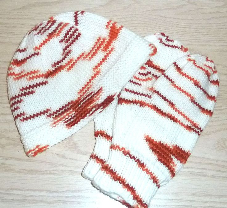 Handmade Child's Hat and Mitten Set 7 to 10 years by SouthamptonCreations on Etsy