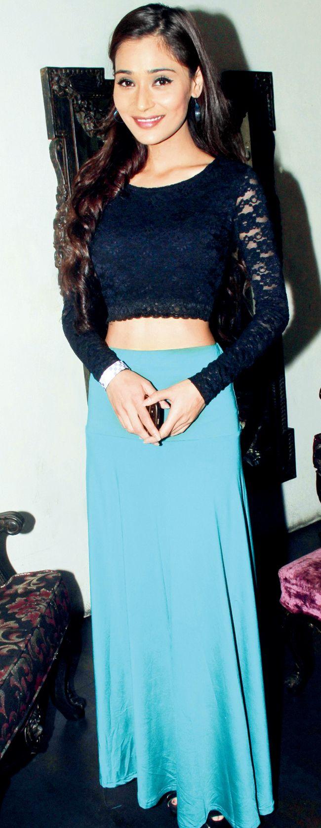 Sara Khan at Madhura Naik's birthday bash #Style #Bollywood #Fashion #Beauty