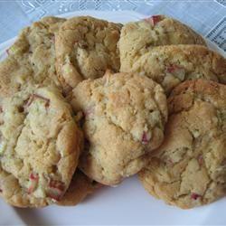 Crafty Caring Friends: Rhubarb Cookies