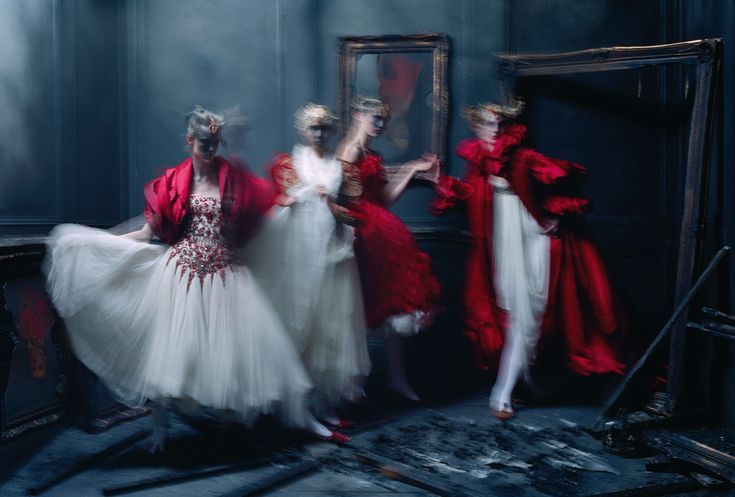 aya-jones-xiao-wen-ju-harleth-kuusik-yumi-lambert-nastya-sten-by-tim-walker-for-vogue-uk-march-2015-2