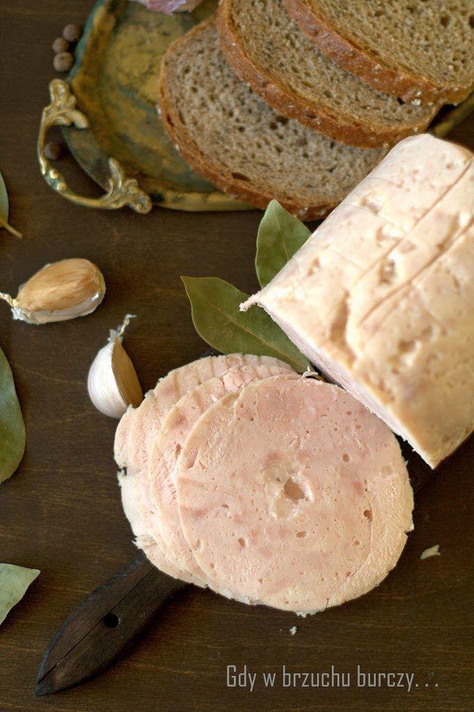 Przyszła pora na domowe wyroby wędliniarskie. Wszystko zaczęło się od przepisu na pieczeń rzymską , która świetnie smakowała na zimno ja...