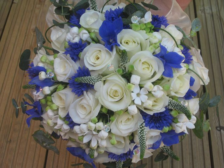 white and blue bridal bouquet | blue & ivory wedding stockbridge wedding flowers