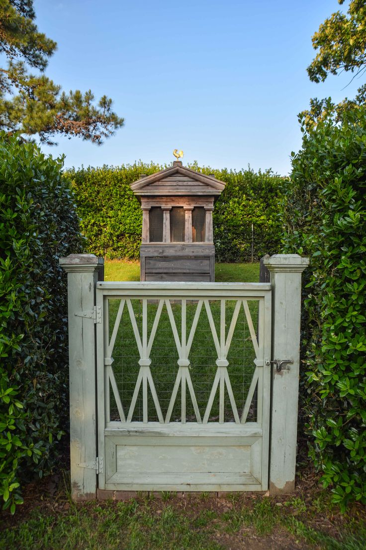 17 best images about gardening fences gates on pinterest twilight at moss mountain farm thinking outside the boxwood fencing railinggates fencinggarden baanklon Image collections