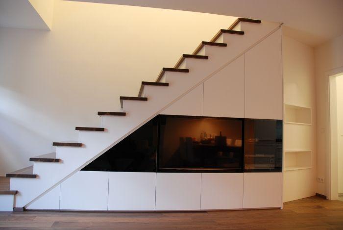 Tv wand / Schleiflack 9016 / integrierte Suround Anlage