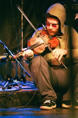 Ashley MacIsaac - Cape Breton Fiddler