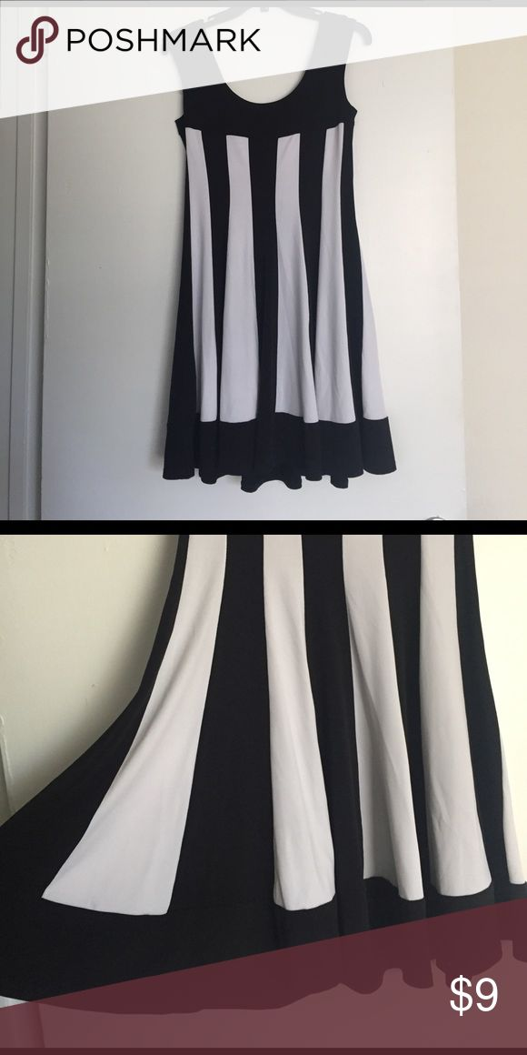 Lil black and white dress Pre loved black and white stripes petite Dresses Midi