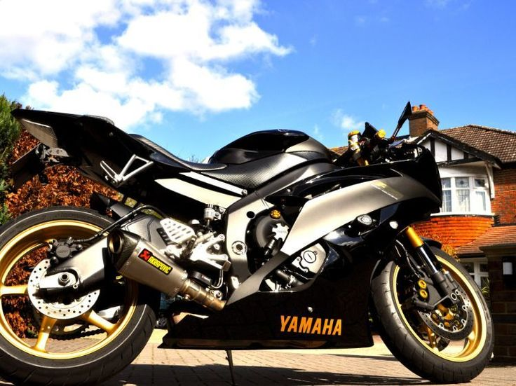 Yamaha YZF R6 600 picture