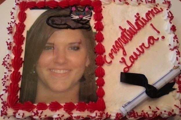 24 People Who Shouldn't Be Allowed To Decorate Cakes