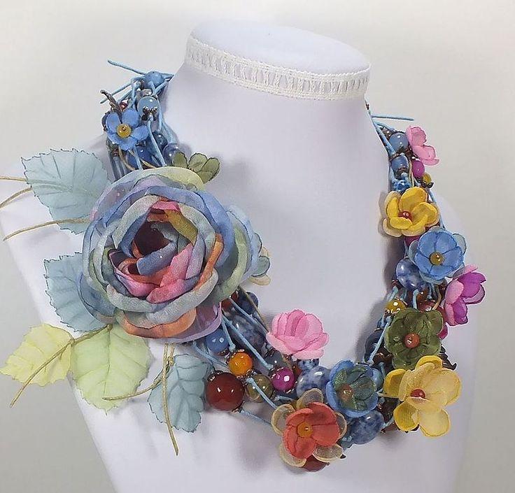 Вальс Весенних Дождей. Колье, серьги, брошь-цветок, цветы из ткани.