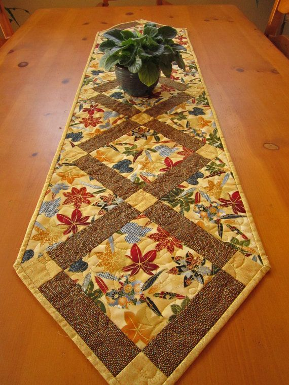 Table Runner Maple Leaves by PatchworkMountain on Etsy