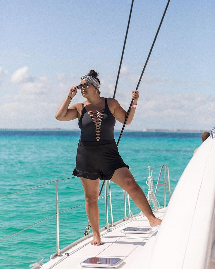 Isla Mujeres  Boat rides in Cancun By lapiz of luxury