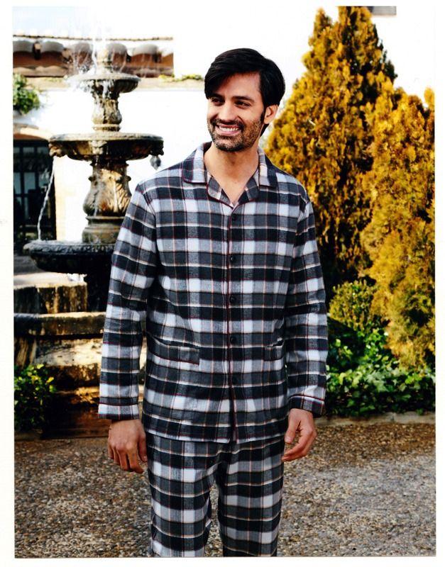 Descubre los PIJAMAS DE FRANELA de algodón 100%. Prendas para dormir calentito y muy suaves. Más modelos disponibles en www.varelaintimo.com