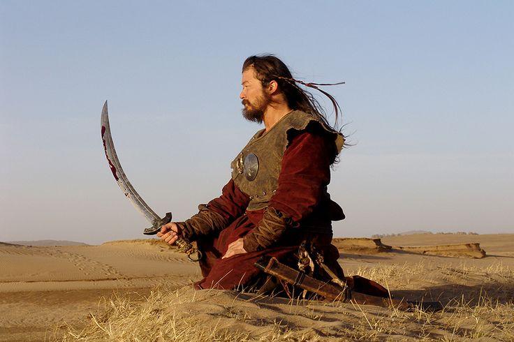 Человек входит в жизнь мягким и слабым, а умирает жестким и крепким. Жесткость и сила — спутники смерти!  © Лао-Цзы