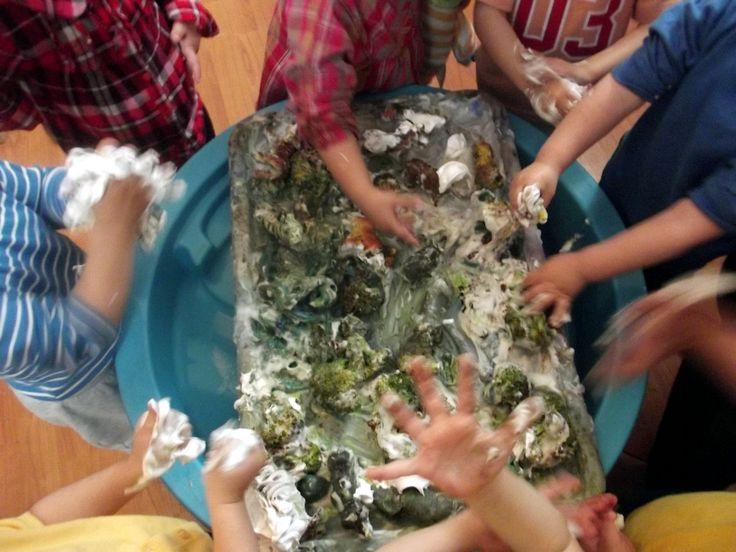 Discovering the Savanna with broccoli, animals, shaving foam, pain@AcornsNursery
