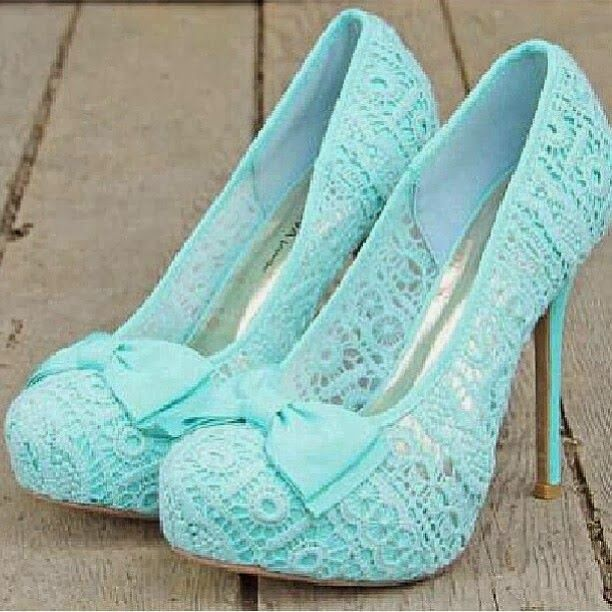 Pefect mint lace heels with cute bow