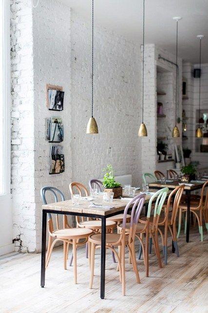 Les 120 meilleures images du tableau d co caf et restaurant sur pinterest cafe avec chaise - Tableau plafond ressources caf ...