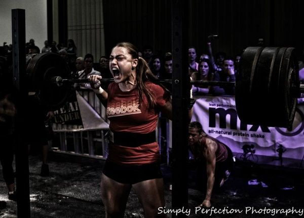 You dont have to understand crossfit or lifting weights, but when you see this, all you can think is.... BAD ASS!!!.   Crossfitt athlete Katie Hogan, Simply Perfection Photography. http://j.mp/HkE8DB: Go Girls, Running Workout, Girls Generation, Katy Hogan, Sweet Girls, Beast Mode, Weights Loss, Fit Motivation, Lifting Weights