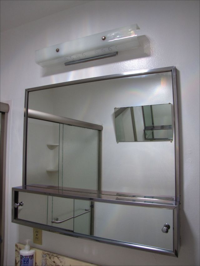 die besten 25 badezimmer spiegelschrank mit beleuchtung ideen auf pinterest innenbeleuchtung. Black Bedroom Furniture Sets. Home Design Ideas