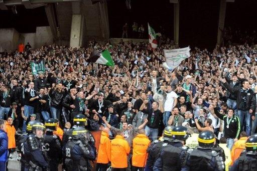 FOOTBALL -  Hooliganisme: près de 400 interdits de stade depuis le début de saison - http://lefootball.fr/hooliganisme-pres-de-400-interdits-de-stade-depuis-le-debut-de-saison-2/