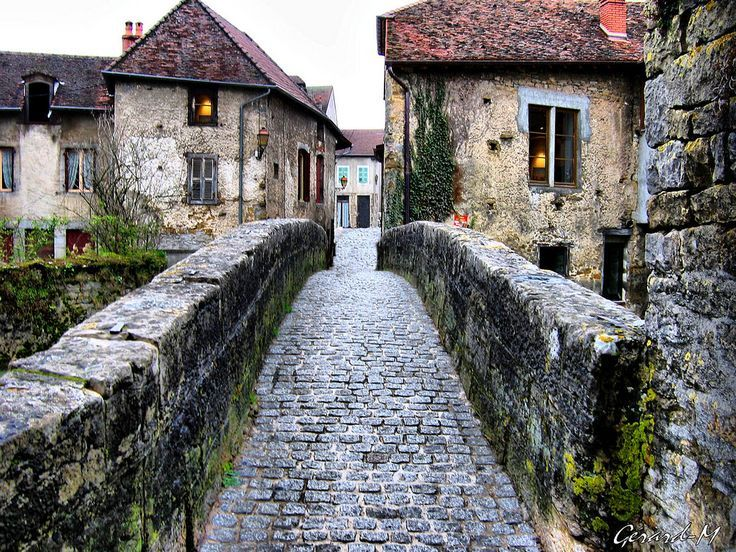 the old Pont Arbois