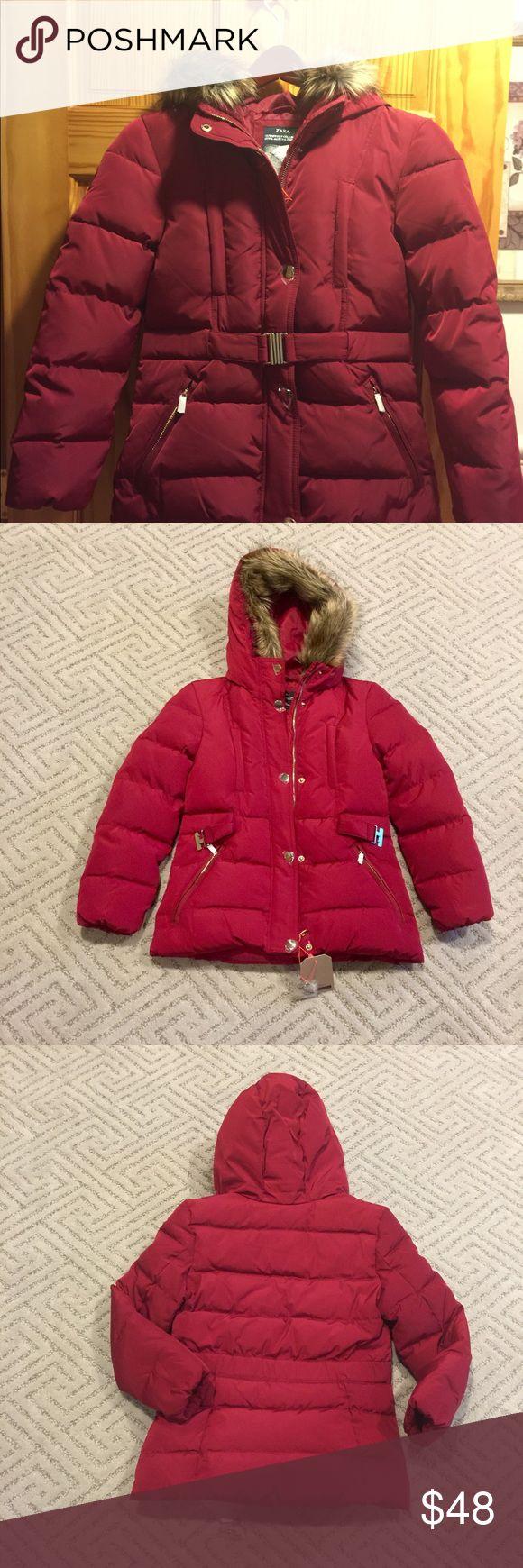 BNWT-Zara Girl Down Coat with Belt & faux fur trim BNWT-Zara Girl Down Jacket with Belt & faux fur trim hood (removable) size 11-12 zara kids Jackets & Coats