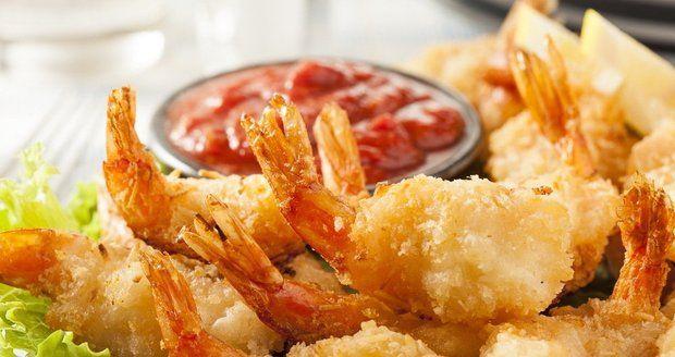 Smažené krevety  se salsou jsou skvělé k vínu.