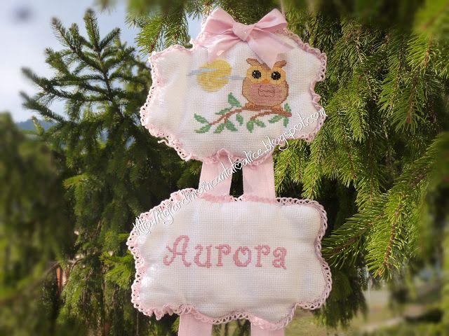 Il giardino incantato di Alice: Benvenuta Aurora... fiocco nascita Ricamo a punto croce