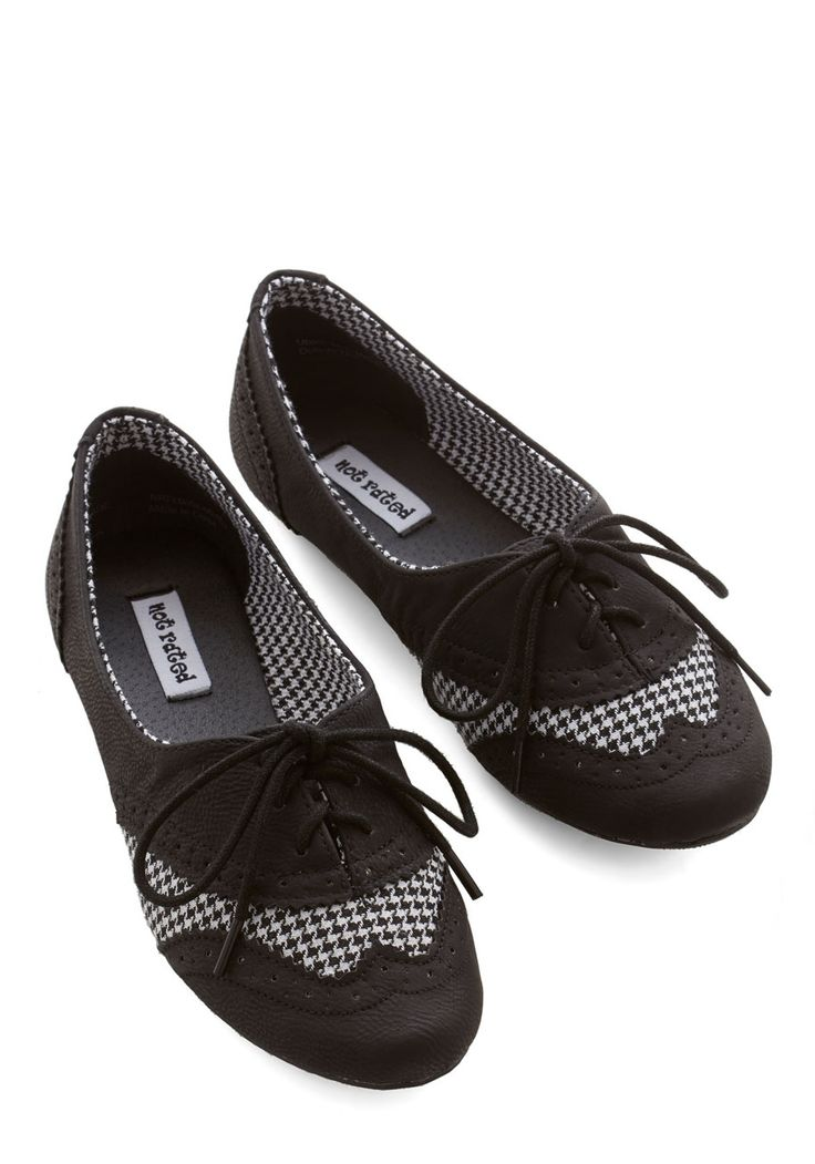 Studious Style Flat in Black. You cant help but feel more scholarly when youre sporting these lace-up houndstooth flats! #black #modcloth