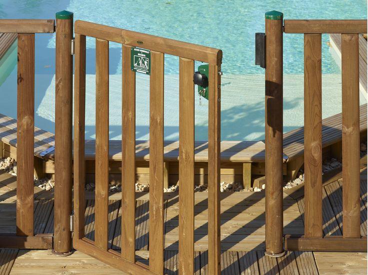 Garantissez la sécurité de vos proches avec les #barrières de #sécurité pour #piscines.  #VivreEnBois #Confort #Assurance