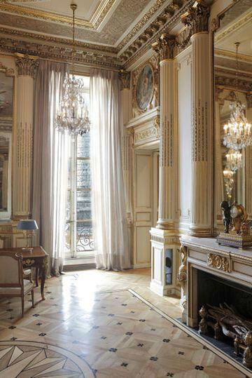 French Maison / via Barbara Fink