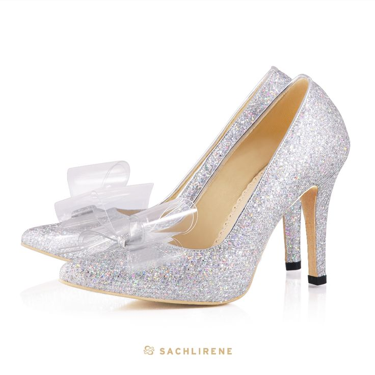 Another beauty that will lead you find your true love. GLASSY, it sure will make you sparkling and glowing among the others.  #sachlireneglassy #cinderellashoes