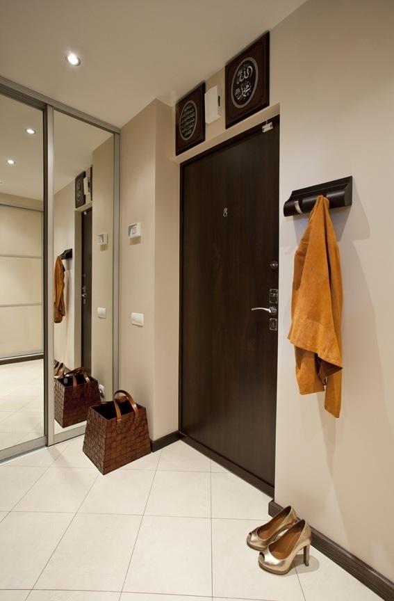 Прихожая + зеркальный шкаф купе. Hallway + built in huge closet