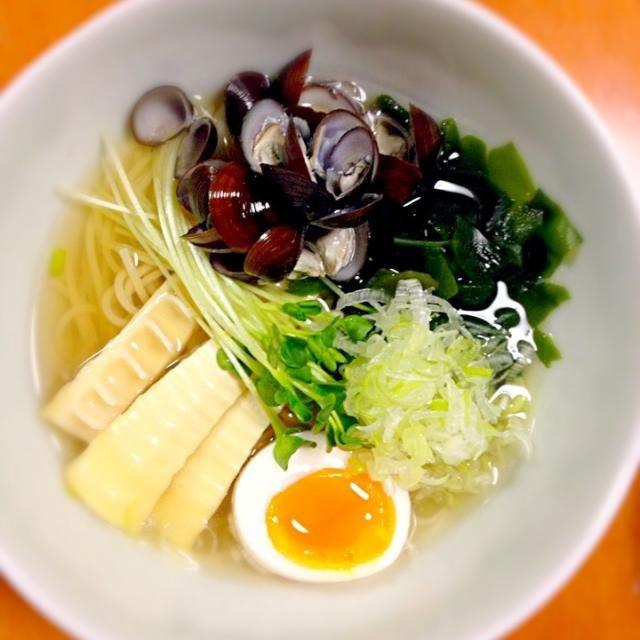 ぱぱから もらったシリーズ 第3弾  麺がなかったから、カッペリーニで ˉ̞̭ ( ・◡ु‹ ) ˄̻̊  スープ薄めで作ったら、おいしかったよォ٩̋(๑˃́ꇴ˂̀๑) - 99件のもぐもぐ - 津軽十三湖の しじみラーメン by 15chan