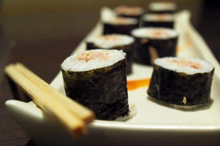 friday food madness : tuna mayo maki @bentoya