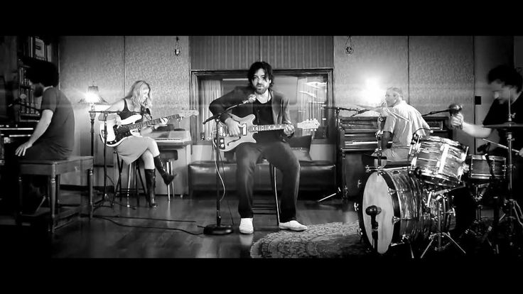 Bob Schneider : Honeypot (OFFICIAL)... That's who I need, my own Honeypot.