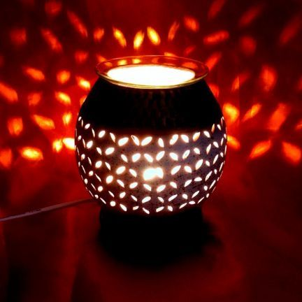Soil Fragrances Round Electric Diffuser - Add oodles of style to your home with an exciting range of designer furniture, furnishings, decor items and kitchenware.We promise to deliver best quality products at best prices.