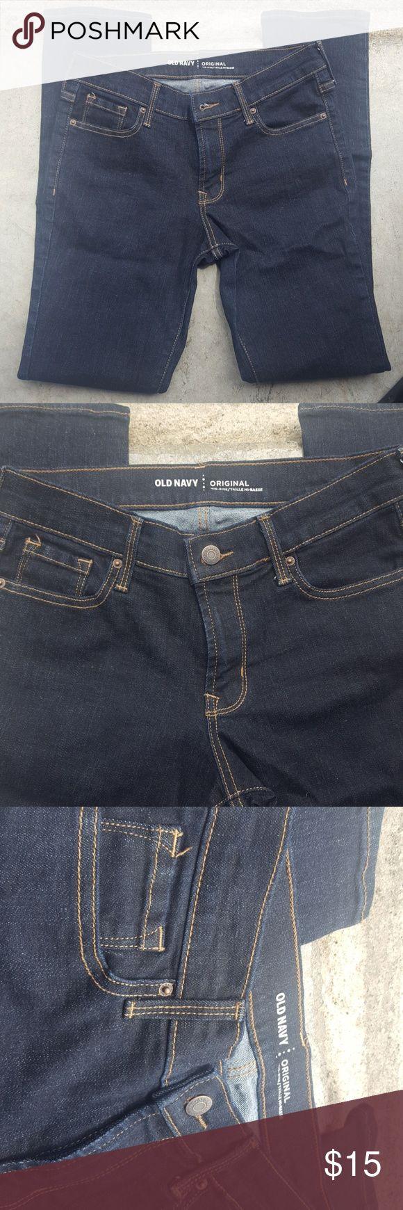 Women's Old Navy Original Mid Rise Jeans size 2 Old Navy Original Straight Mid Rise Jeans size 2 Regular. Beautiful dark wash, never been worn. 85% cotton, 13% polyester, 2% spandex Old Navy Jeans Straight Leg