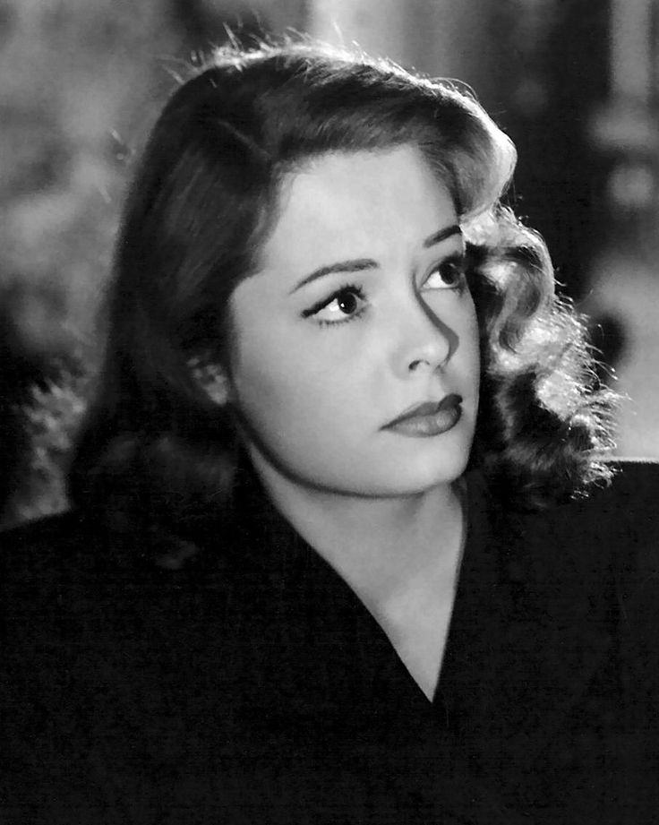Film Noir Photos: Tracking with Closeups: Jane Greer