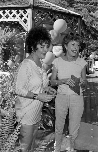 Carol Burnett and Liz Taylor