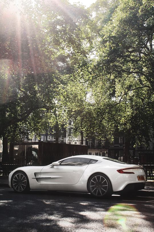 Beautiful London Morning Sight, Aston Martin One-77