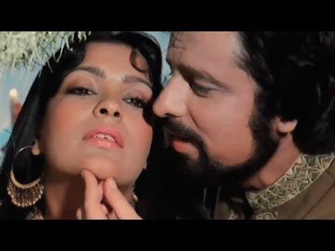 Maine Puchha Chand Se - Sanjay Khan, Zeenat, Abdullah Romantic Song - YouTube
