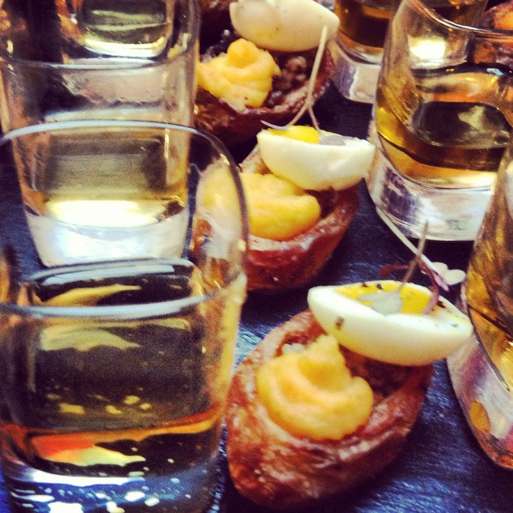 Haggis canapé with a shot of Whisky at a Scottish wedding