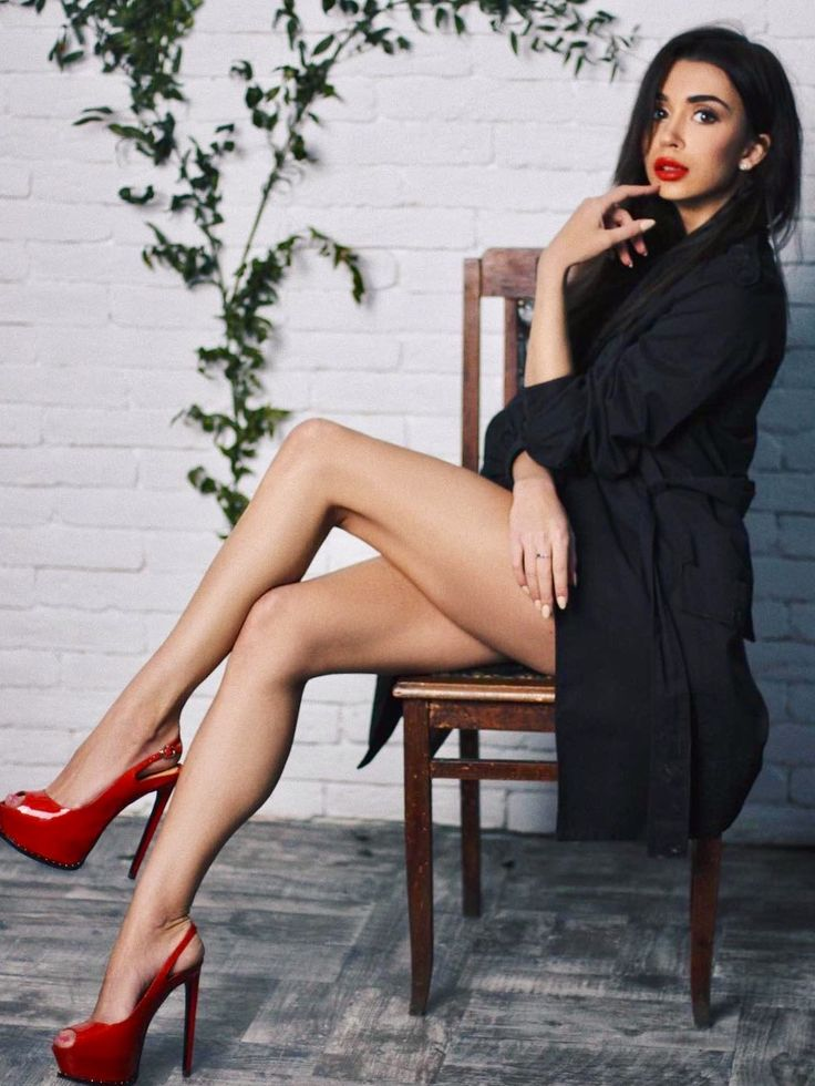 1262 Best Images About Crossed Legs On Pinterest