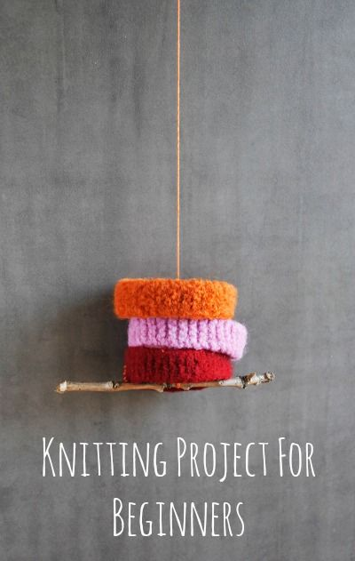 Awesome knitting project for kids - and beginner adults! From Artchoo.com http://artchoo.com/knitting-for-beginners/